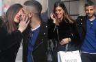 Ngọt ngào với khoảnh khắc Insigne hôn vợ bất chấp trên phố