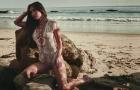 Gái 3 con Megan Fox vẫn bốc lửa