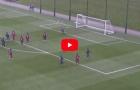 Lionel Messi solo ghi bàn từ giữa sân khi lên tuyển