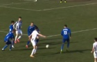 Cầu thủ Croatia đột tử ngay trên sân sau va chạm