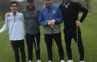 Man City vô địch, cầu thủ ăn mừng 'điên cuồng', còn Pep đi... đánh golf