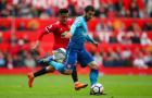 Sanchez thở 'hổn hển', đuổi theo Mkhitaryan khi vô tình gặp gỡ