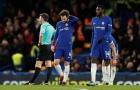 Chia tay Ngoại hạng Anh trong bi kịch, fan Chelsea đòi đuổi hết đội bóng