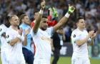 CĐV đập tivi, ném xuống sông vì đội nhà thua chung kết Europa League
