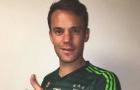Neuer bất ngờ khoe ảnh khoác áo Juventus