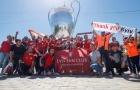CĐV Liverpool thị uy Real Madrid khi nhuộm đỏ đường phố Kiev