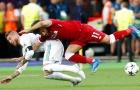 Lampard và Ferdinand bênh Ramos khi va chạm với Salah