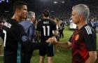 Ronaldo đến Man Utd: Mourinho nói lời đầy nghi vấn