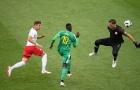 Szczesny tái hiện sai lầm ở Carling Cup, Ba Lan phơi áo khó hiểu trước Senegal