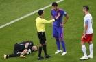 Thua trận, Lewandowski còn bị mất điểm nặng khi chơi xấu Ospina