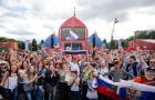 Bại trận, tuyển Nga vẫn được biển CĐV chào đón như người hùng