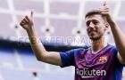 Barca ra mắt tân binh thứ hai trong mùa Hè
