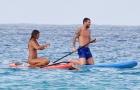 Gác chuyện 'thế sự', Messi khua mái chèo giữa mênh mông sóng nước