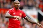 Tuyên bố CHẮC NỊCH về Ashey Young, Mourinho khiến CĐV M.U chưng hửng