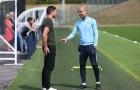 Pep Guardiola đón vị khách bất ngờ tới sân tập Man City