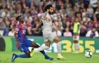 Chơi xấu Salah, sao Crystal Palace đi vào lịch sử