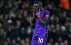 Sốc: Mane đổ gục xuống sân ôm mặt khóc òa sau trận đấu của Senegal