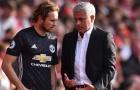 Blind: 'Mourinho thậm chí còn không thể xếp đúng sơ đồ chiến thuật'