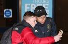 Dàn sao M.U lầm lũi trở về Manchester khi Liverpool ở ngay trước mắt