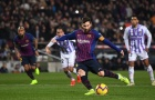 Vẻ mặt thất vọng của ngôi sao Barcelona trong màn ăn mừng bàn thắng