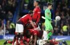 Fan Man Utd tan chảy vì phản ứng của Sir Alex