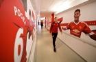 Bale cười khá tươi rảo bước trong phòng thay đồ M.U