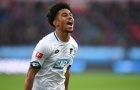 Sao trẻ Arsenal chia sẻ về những khó khăn khi ra nước ngoài thi đấu