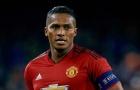 Fan Man Utd 'tan nát cõi lòng' khi thấy hình ảnh này của Valencia