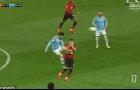 SỐC! Solskjaer đã đúng, cầu thủ Man City tung cú kungfu thẳng ngực sao Man Utd