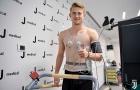 Matthijs de Ligt 'đốn tim' fan nữ khi kiểm tra y tế tại Juventus
