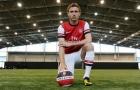 '10 tiếng sau khi thức giấc, tôi trở thành cầu thủ Arsenal'