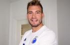 CHÍNH THỨC: 'Lord' Bendtner có đội bóng mới, lấy luôn số áo huyền thoại