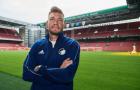 Ngày đầu tập luyện, 'Lord' Bendtner đã muốn làm HLV