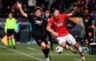 'Man Utd không biết đá sân cỏ nhân tạo? Đúng là điên'