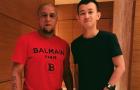 Huyền thoại Roberto Carlos mua giày của Fan hâm mộ?!