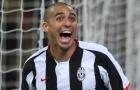 Trezeguet volley tung lưới Torino