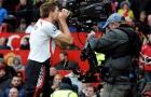 10 hình ảnh ấn tượng nhất lịch sử cặp trận M.U - Liverpool: 'Mr. Camera'; 'Đóa hồng' rực sáng