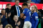 'Anh ta phát rồ ngoài đường pitch, ăn mừng điên cuồng với cậu bé nhặt bóng'