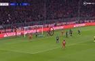 CHOÁNG! Sao Bayern thực hiện 'cú lừa' đỉnh nhất năm, đồng đội ôm đầu ngao ngán