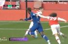 Chelsea mất trắng 1 thẻ đỏ và 1 quả penalty trước Arsenal?