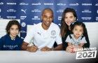 CHÍNH THỨC! Man City ký hợp đồng với 'mỏ neo' số 1 Premier League
