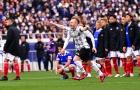 Iniesta khiến sao Thái Lan ôm hận ở trận cầu điên rồ 9 quả 11m hỏng ăn