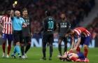 Đằng sau màn thay người 'thảm họa' của Liverpool