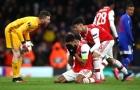 Bị loại đầy 'xấu hổ', Arsenal đón thêm cú đánh 'trời giáng' từ CĐV nhà