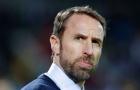 Noi gương học trò, HLV tuyển Anh cắt giảm lương