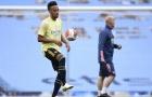 Arsenal 'phơi áo' trước Man City, Aubameyang hành xử bất ngờ với CĐV