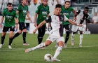 Ronaldo lập cú đúp penalty, Juve cầm hòa thành công trước Atalanta