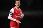 Ozil ra quyết định then chốt, Arsenal lâm cảnh 'tiến thoái lưỡng nan'?