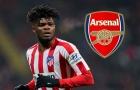 'Arsenal đang đàm phán với con trai tôi'