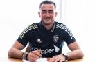CHÍNH THỨC! Leeds công bố liên tiếp 2 bản hợp đồng mới